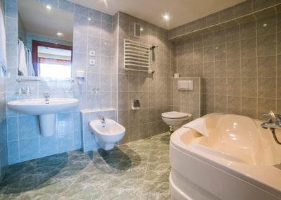 4---Apartament-2-osobowy---łazienka